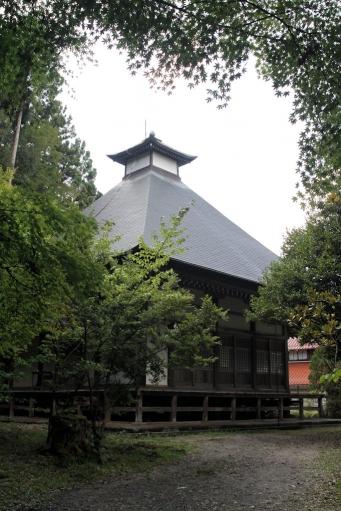 華蔵寺本堂