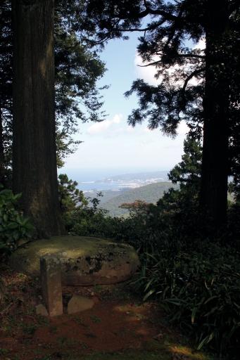 大麻山神社庭園から見た浜田港付近