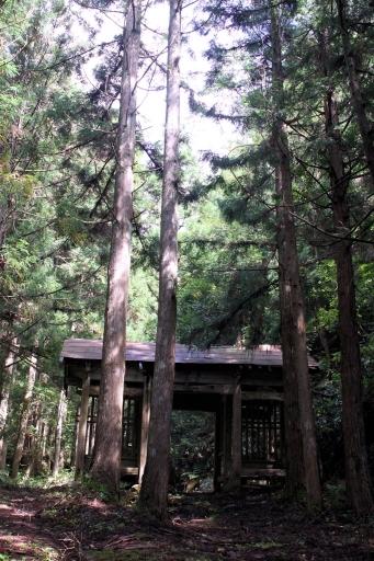 岩屋寺跡の仁王門