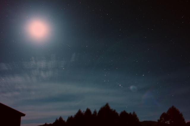 月とオリオン座_20151003K_680682x3