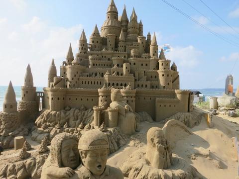 千里浜砂像2015