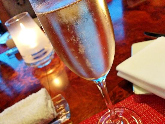 エスカーレ シャンパン