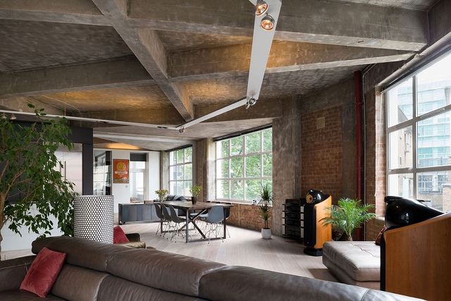 Clerkenwell-Loft-by-Inside-Out-Architecture-2.jpg
