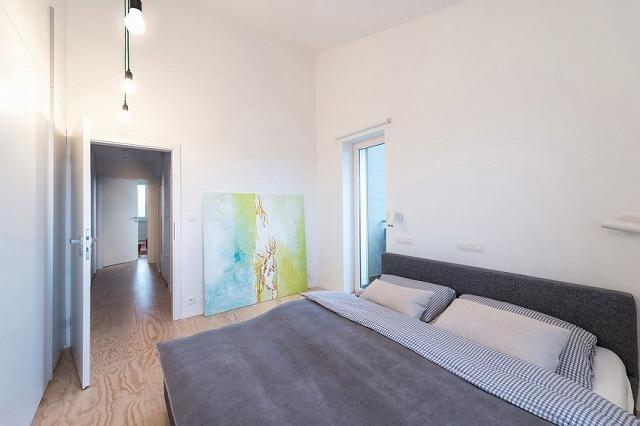 new-contemporary-home-16.jpg