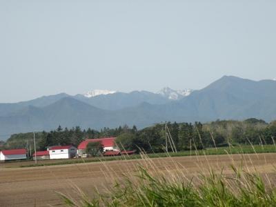 早くも積雪、日高山脈