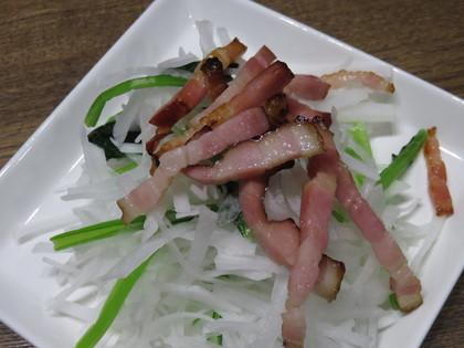 大根と小松菜のカリカリベーコンサラダ