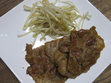 豚肉のニンニク甘辛醤油ソテー+もやしの塩炒め
