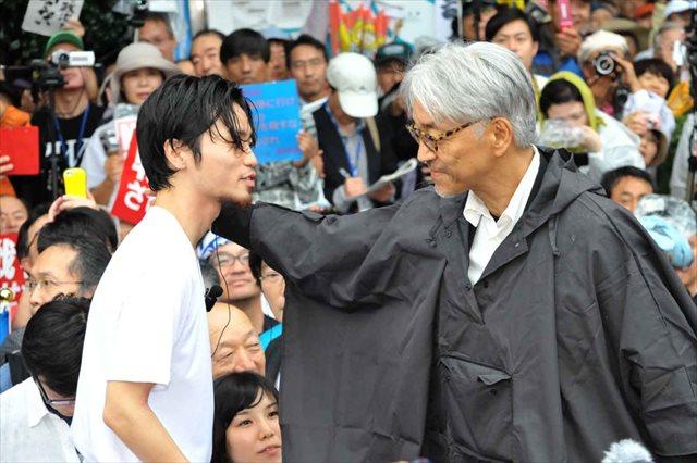 坂本龍一氏がSEALDsと初対面!