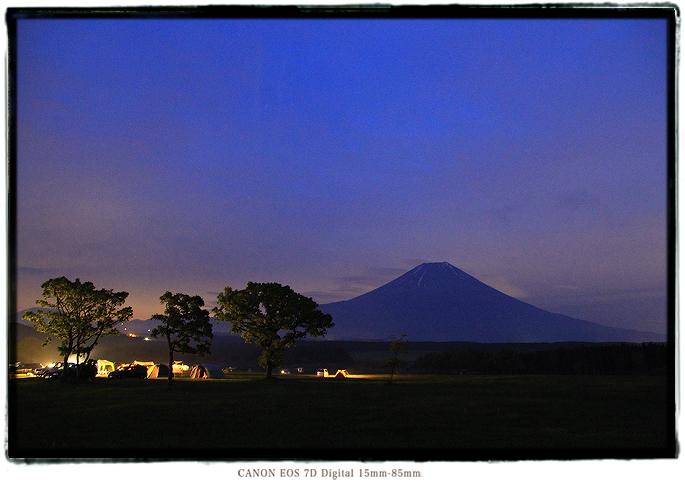 静岡県ふもとっぱら富士山の夜景1505fumoto02.jpg