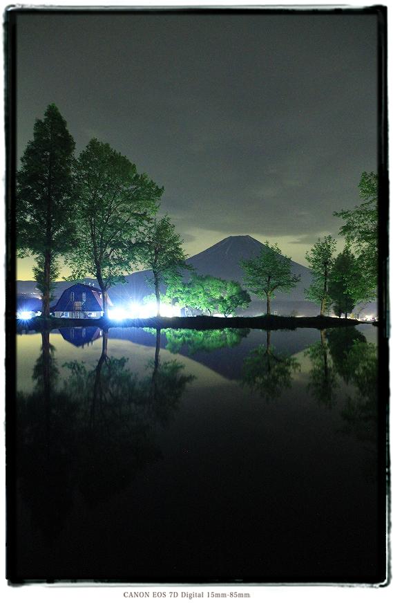 静岡県ふもとっぱら富士山の夜景1505fumoto03.jpg
