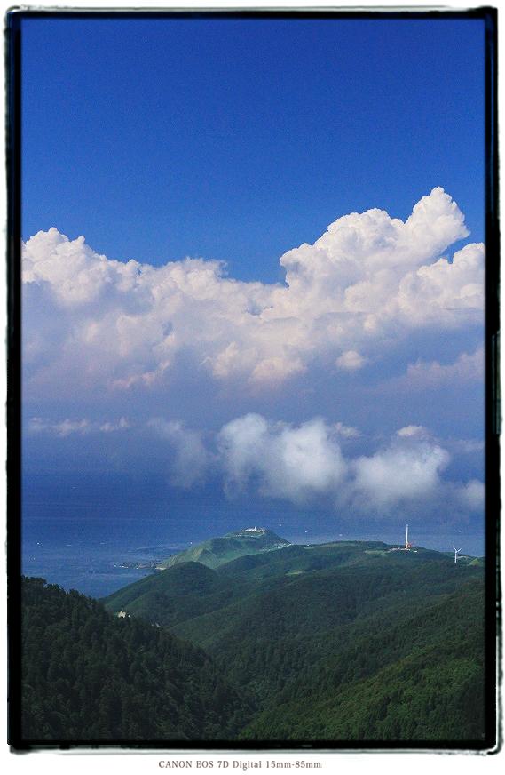 津軽半島竜泊ライン眺瞰台から竜飛岬1508aomori0106.jpg