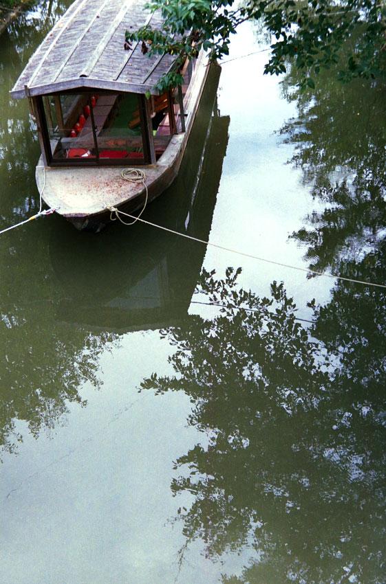 夏の屋形船