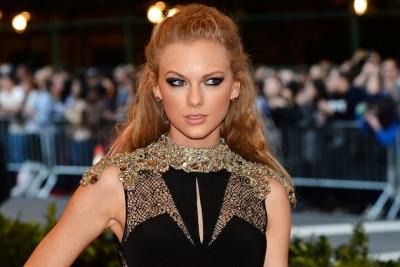 Taylor-Swift1001.jpg