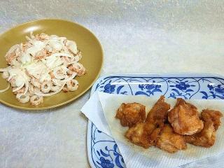150911_3460玉葱と竹輪のコールスローサラダ・鶏モモ肉の唐揚げVGA