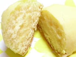 ローソン スプーンで食べるレモンケーキ¥150aa