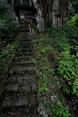 奥の院前の階段
