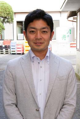 月の井酒造店の八代目で専務取締役の坂本直彦さん。夢は近隣の農家と農閑期にはその米で酒造りをすること。「自分のつくった米が酒になるって面白いと思うんです」