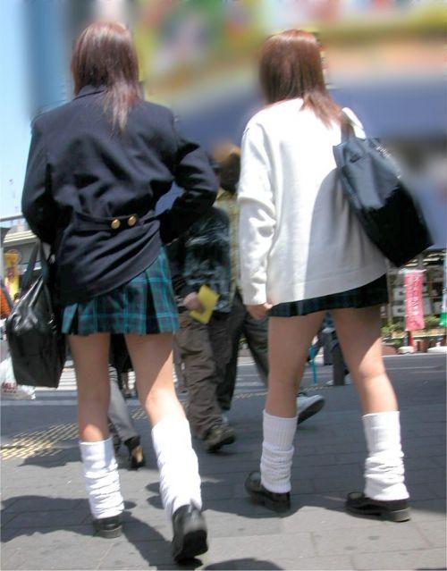 【街撮り盗撮画像】 JKのルーズソックスを伸ばすと意外と長くね? 37枚  No.11