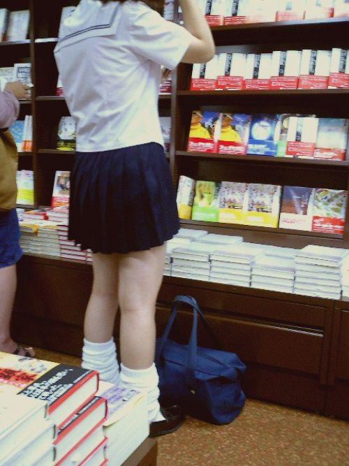 【盗撮画像】JKの太もも美脚がエロ過ぎシコったわ! 39枚 No.10