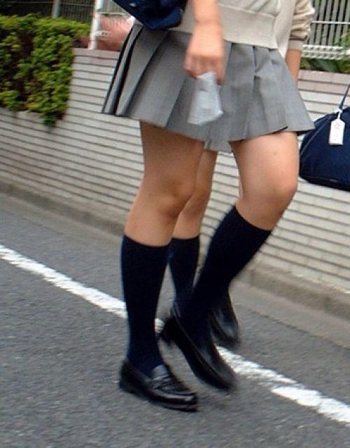 【シコシコ盗撮画像】 JKの太ももが純粋にエロイ! 39枚 No.38