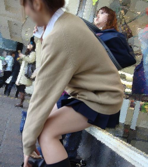【シコシコ盗撮画像】 JKの太ももが純粋にエロイ! 39枚 No.8