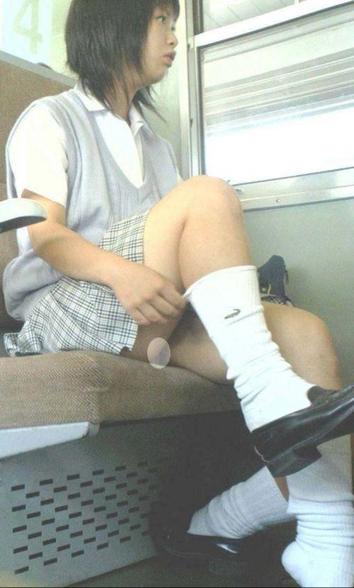 【ムチムチエロ】電車通学で座ってるJKを盗撮した画像集めたった 36枚 No.4