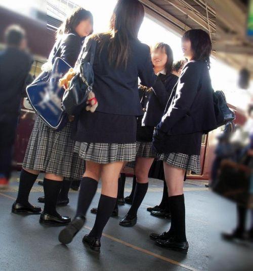 【ムチムチエロ】電車通学で座ってるJKを盗撮した画像集めたった 36枚 No.11