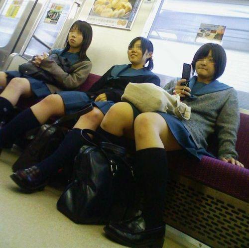 【ムチムチエロ】電車通学で座ってるJKを盗撮した画像集めたった 36枚 No.12