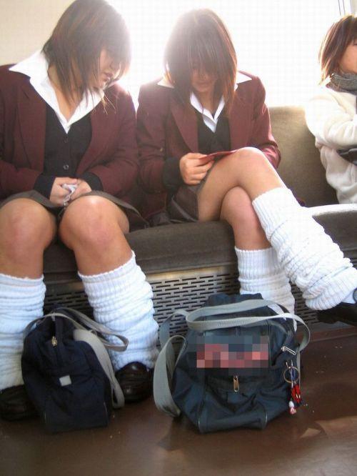 【ムチムチエロ】電車通学で座ってるJKを盗撮した画像集めたった 36枚 No.17