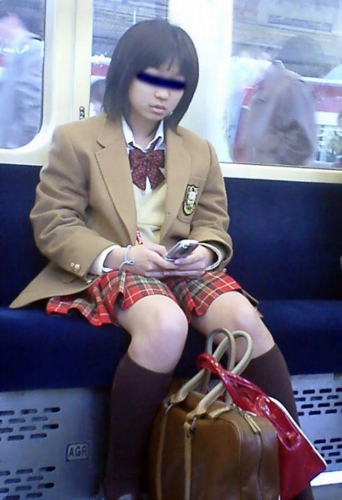 【ムチムチエロ】電車通学で座ってるJKを盗撮した画像集めたった 36枚 No.18