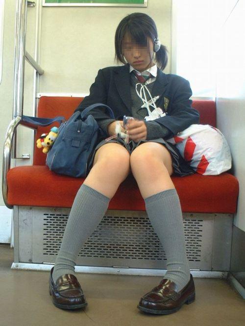 【ムチムチエロ】電車通学で座ってるJKを盗撮した画像集めたった 36枚 No.27