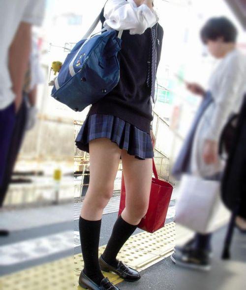 【ムチムチエロ】電車通学で座ってるJKを盗撮した画像集めたった 36枚 No.32