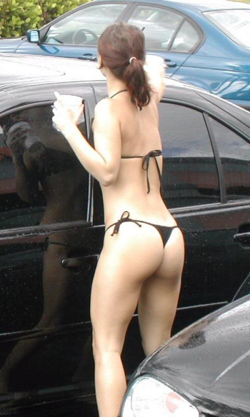 ビーチで露出したがる女性のTバック姿お尻エロ画像 35枚 No.30
