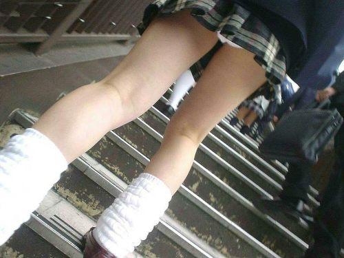 【JK盗撮画像】 下から盗撮しちゃうJKのパンチラがエロい 36枚 No.14