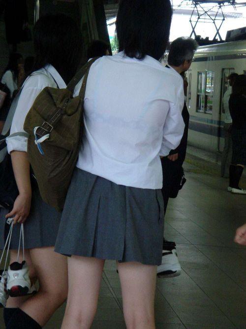 【画像】ブラウスが透けてる女子高生のブラ紐が大人っぽくてエロい 38枚 No.8