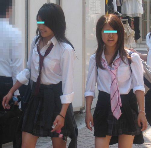 【画像】ブラウスが透けてる女子高生のブラ紐が大人っぽくてエロい 38枚 No.10