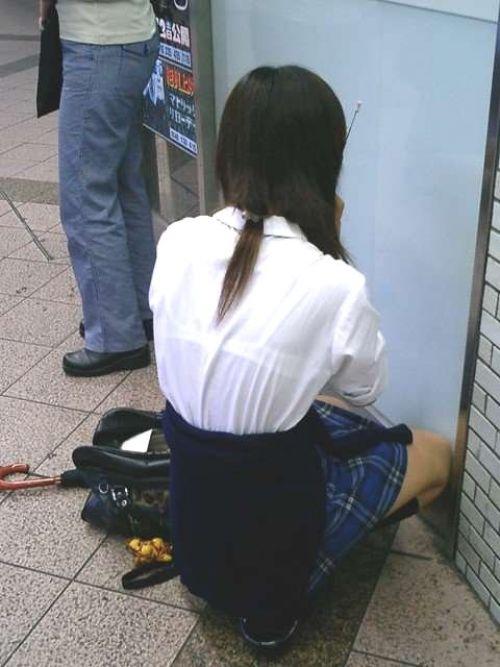 【画像】ブラウスが透けてる女子高生のブラ紐が大人っぽくてエロい 38枚 No.13