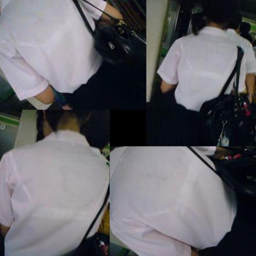 【画像】ブラウスが透けてる女子高生のブラ紐が大人っぽくてエロい 38枚 No.18