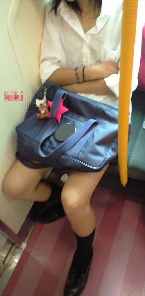 【画像】ブラウスが透けてる女子高生のブラ紐が大人っぽくてエロい 38枚 No.22