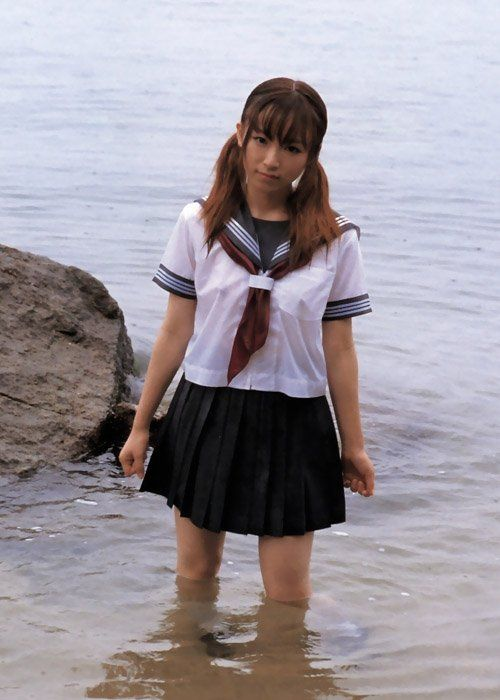 【画像】ブラウスが透けてる女子高生のブラ紐が大人っぽくてエロい 38枚 No.26