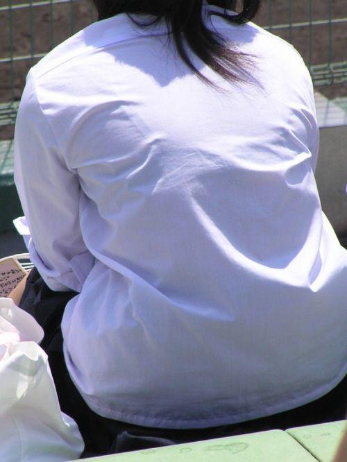【画像】ブラウスが透けてる女子高生のブラ紐が大人っぽくてエロい 38枚 No.33