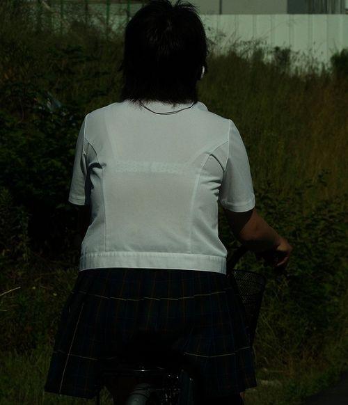 【画像】ブラウスが透けてる女子高生のブラ紐が大人っぽくてエロい 38枚 No.36