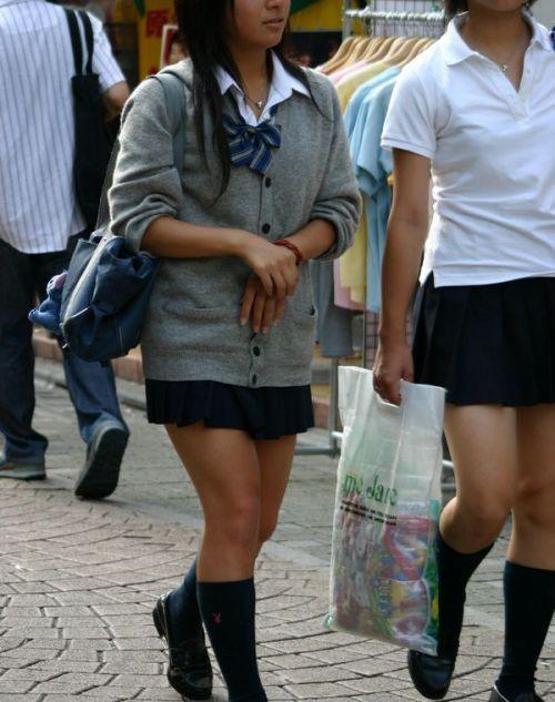 女子高生の街撮り盗撮画像のチョイエロで半勃起だわ! 39枚 No.16