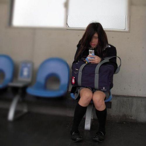 女子高生の街撮り盗撮画像のチョイエロで半勃起だわ! 39枚 No.20