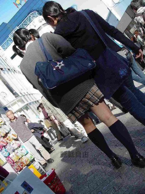 女子高生の街撮り盗撮画像のチョイエロで半勃起だわ! 39枚 No.31