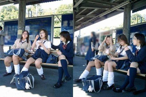 【画像】 電車で大胆に座ってる女子高生の無防備な太ももがエロ過ぎww 38枚 No.4