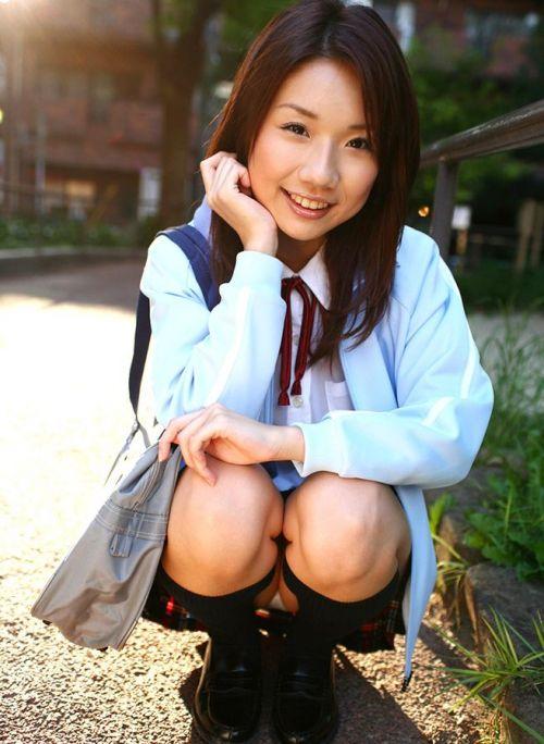 ミニスカ女子高生の見せつけるパンチラエロ画像いっぱい見ちゃう? 40枚 No.3