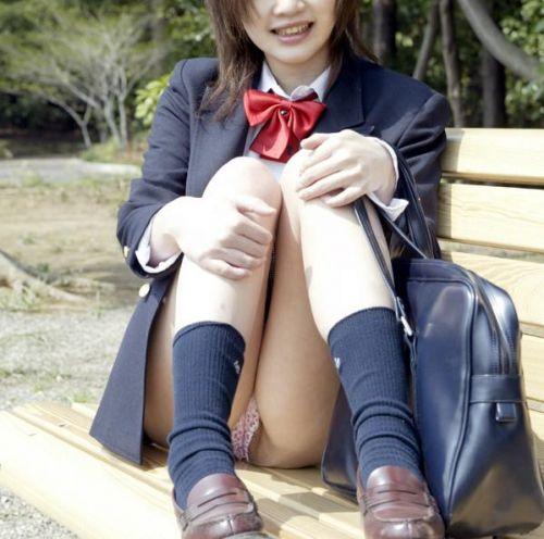 ミニスカ女子高生の見せつけるパンチラエロ画像いっぱい見ちゃう? 40枚 No.11