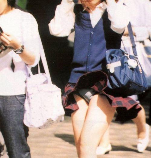 ミニスカ女子高生の見せつけるパンチラエロ画像いっぱい見ちゃう? 40枚 No.25
