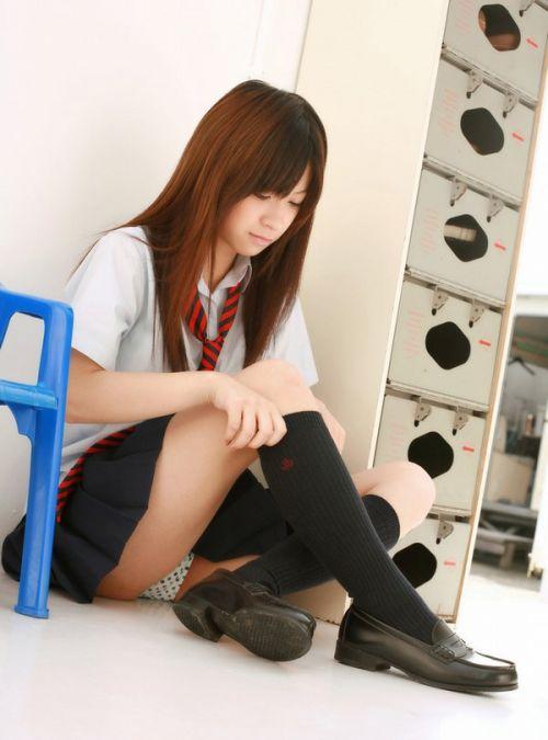 ミニスカ女子高生の見せつけるパンチラエロ画像いっぱい見ちゃう? 40枚 No.37